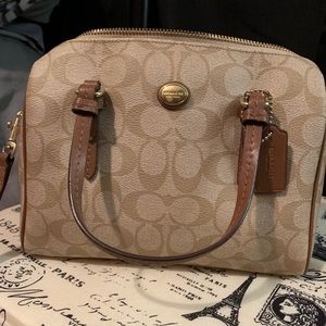 Like new Authentic Coach Crossbody Bag